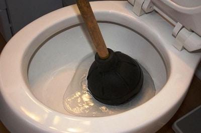 WC duguláselhárítás házilag